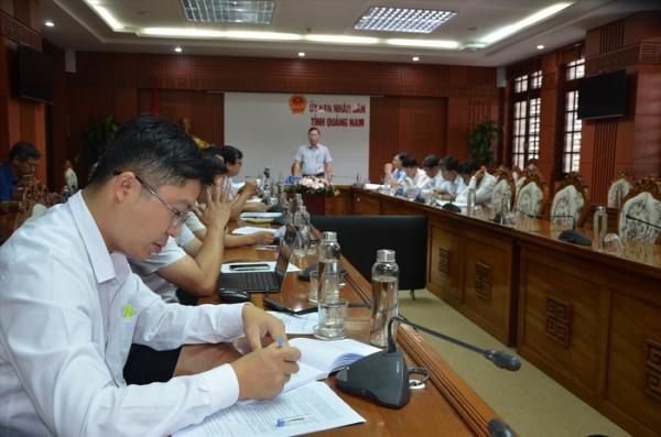 Chủ tịch UBND tỉnh Lê Trí Thanh chủ trì cuộc họp