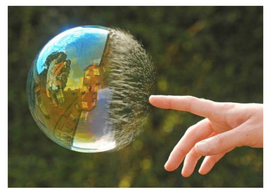 Nguy cơ vỡ bong bóng bất động sản